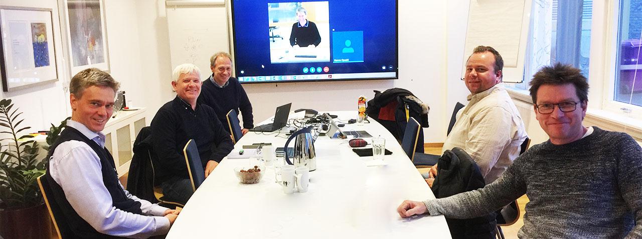 Fra venstre Peer Veiby (utvalgsleder), Karl-Asbjørn Kjennerud, Knut Høylie (RN), Geir Høydalsvik (med på Skype), Erik Frøystad (RN), Sveinung Moe og Hanne Opsahl (RN, bak kamera).